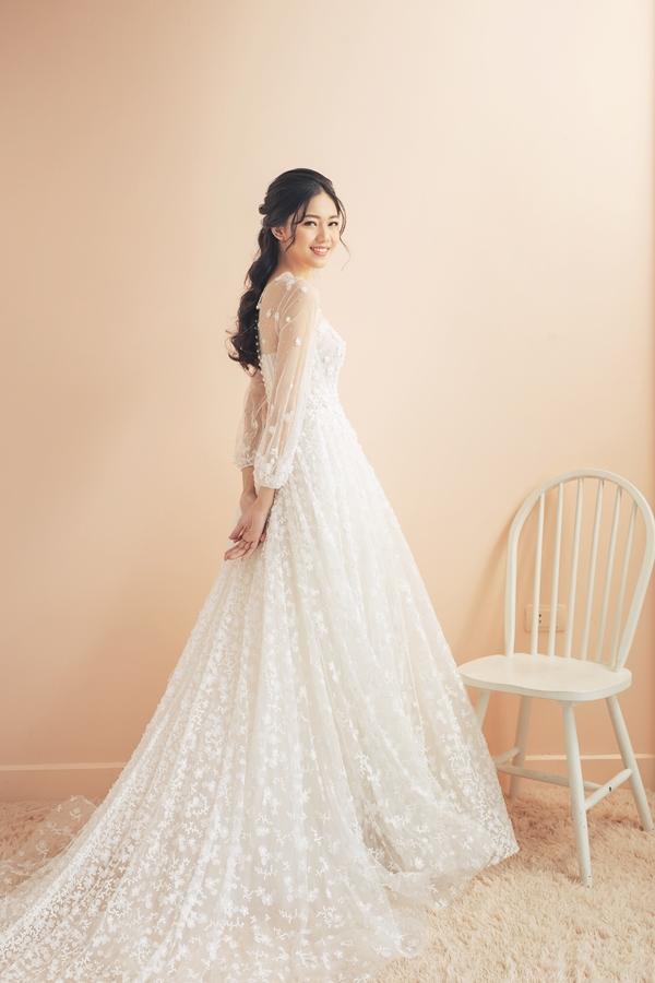 Mặc tin đồn cưới chạy bầu, Á hậu Thanh Tú khoe nhan sắc lộng lẫy sau một tháng kết hôn - Ảnh 5