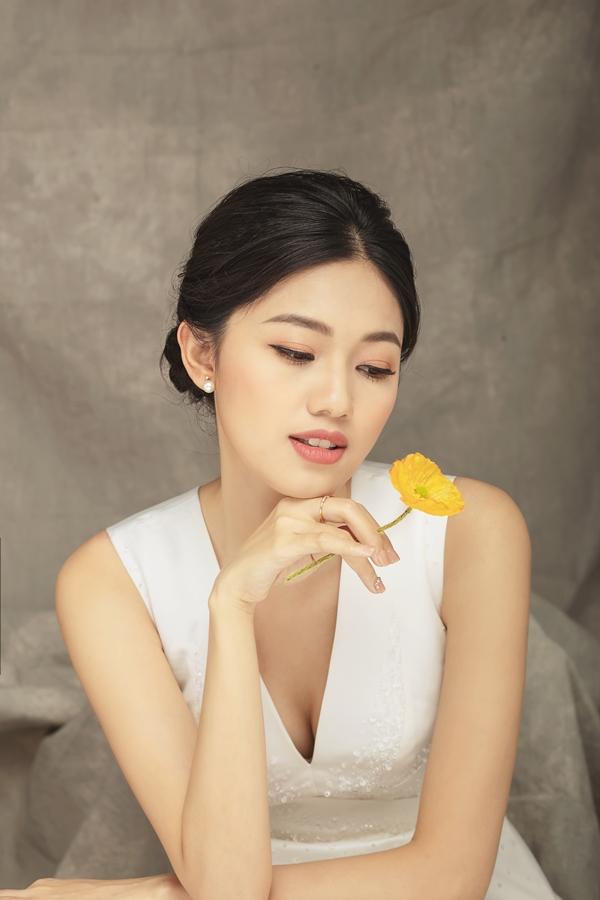 Mặc tin đồn cưới chạy bầu, Á hậu Thanh Tú khoe nhan sắc lộng lẫy sau một tháng kết hôn - Ảnh 7