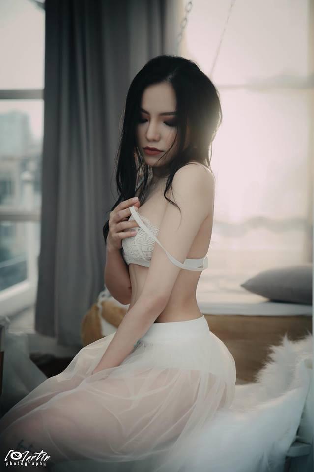 Ngắm loạt ảnh táo bạo 'bỏng mắt' của vợ cũ Lâm Vinh Hải bên người tình mới - Ảnh 12
