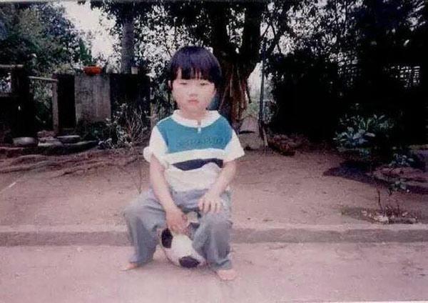 Xuân Trường vẫn giữ nguyên nét mặt chuẩn style Hàn Quốc từ lúc còn bé