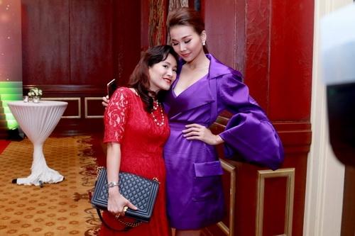 Năm mới sang, vợ Bình Minh tiết lộ mối quan hệ 'sốc' với Thanh Hằng - Ảnh 3