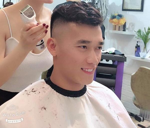 Dàn cầu thủ khoe tóc mới chất lừ chuẩn bị đón Tết - Ảnh 4