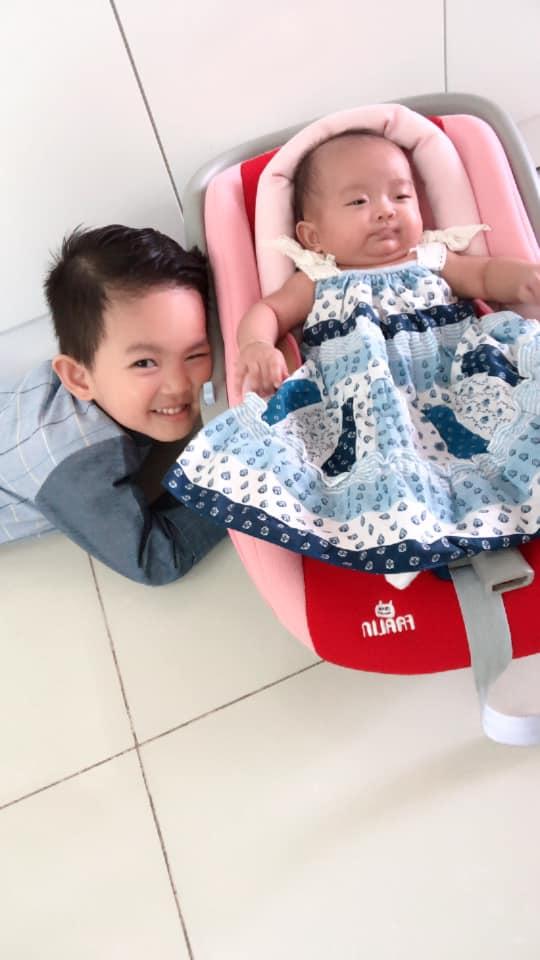 Sinh non nặng 2,2kg, con gái út Khánh Thi - Phan Hiển giờ đã bụ bẫm đáng yêu như thiên thần - Ảnh 6