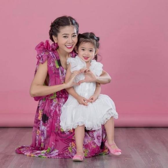 Mẹ nằm viện, con gái Mai Phương đón sinh nhật trong buồn bã và không được đến trường suốt một tháng qua  - Ảnh 7