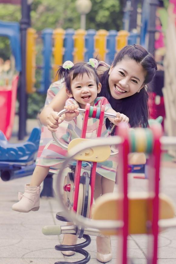 Mẹ nằm viện, con gái Mai Phương đón sinh nhật trong buồn bã và không được đến trường suốt một tháng qua  - Ảnh 9