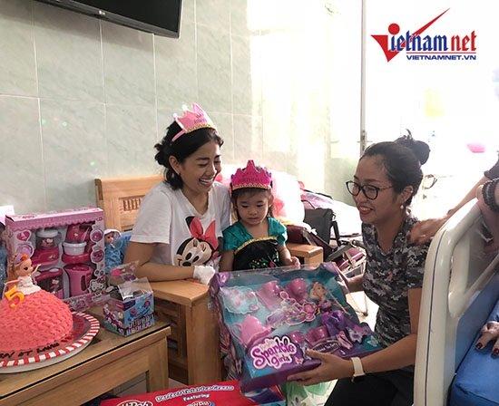 Mai Phương gượng dậy tổ chức sinh nhật cho con gái trong bệnh viện - Ảnh 4
