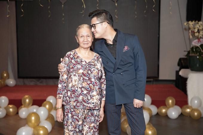 Xúc động với món quà sinh nhật đặc biệt của con trai Quang Dũng gửi tặng bố - Ảnh 2