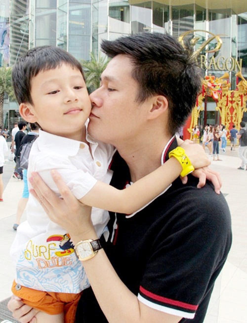 Xúc động với món quà sinh nhật đặc biệt của con trai Quang Dũng gửi tặng bố - Ảnh 6