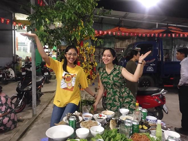 Hé lộ cuộc sống Hoa hậu Đại dương Đặng Thu Thảo sau hai tháng kết hôn với đại gia miền Tây - Ảnh 1