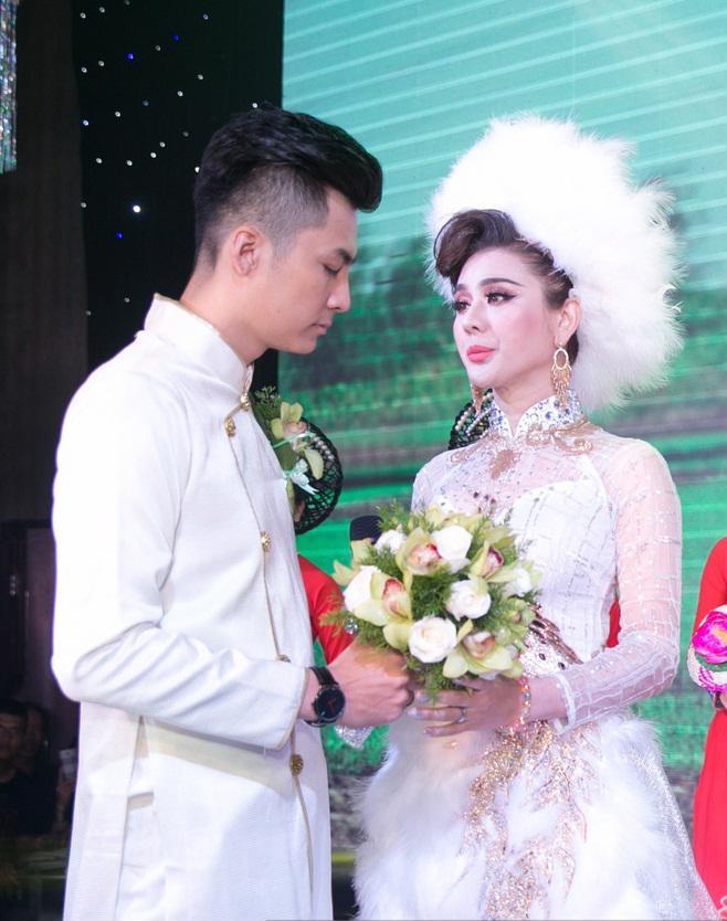 Nhìn lại những khoảnh khắc vui tươi nhưng đầy xúc động trong đám cưới Lâm Khánh Chi: Ai cũng xứng đáng có được hạnh phúc! - Ảnh 11