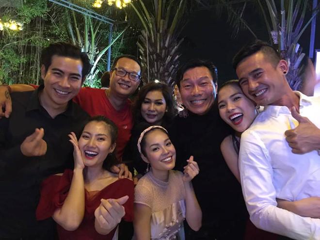 Trương Nam Thành tổ chức đám cưới lần nữa với doanh nhân hơn tuổi, đông đảo sao Việt tham dự - Ảnh 2