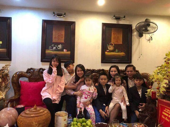 Lộ ảnh 'đại gia kim cương' đoàn tụ bên vợ và đàn con thơ sau một năm chia tay Hồ Ngọc Hà - Ảnh 2