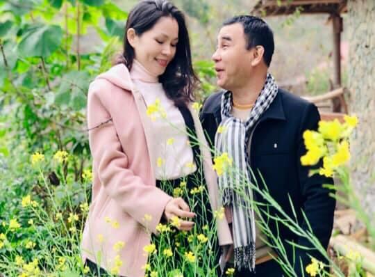 Gia đình MC Quyền Linh gây bão với bộ ảnh tuyệt đẹp ở Mộc Châu - Ảnh 1