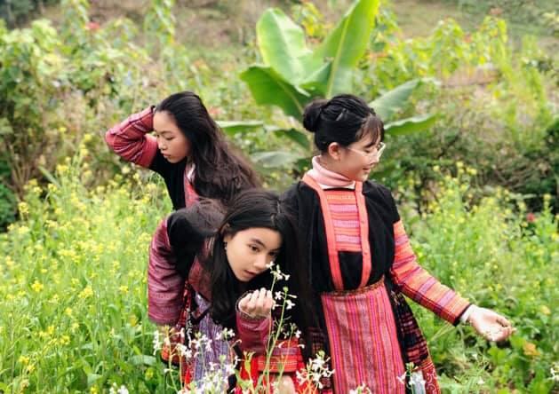 Gia đình MC Quyền Linh gây bão với bộ ảnh tuyệt đẹp ở Mộc Châu - Ảnh 2