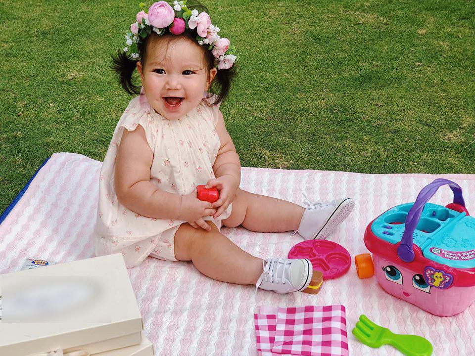 Loạt biểu cảm siêu đáng yêu của con gái Hà Anh khiến dân mạng thích mê - Ảnh 1