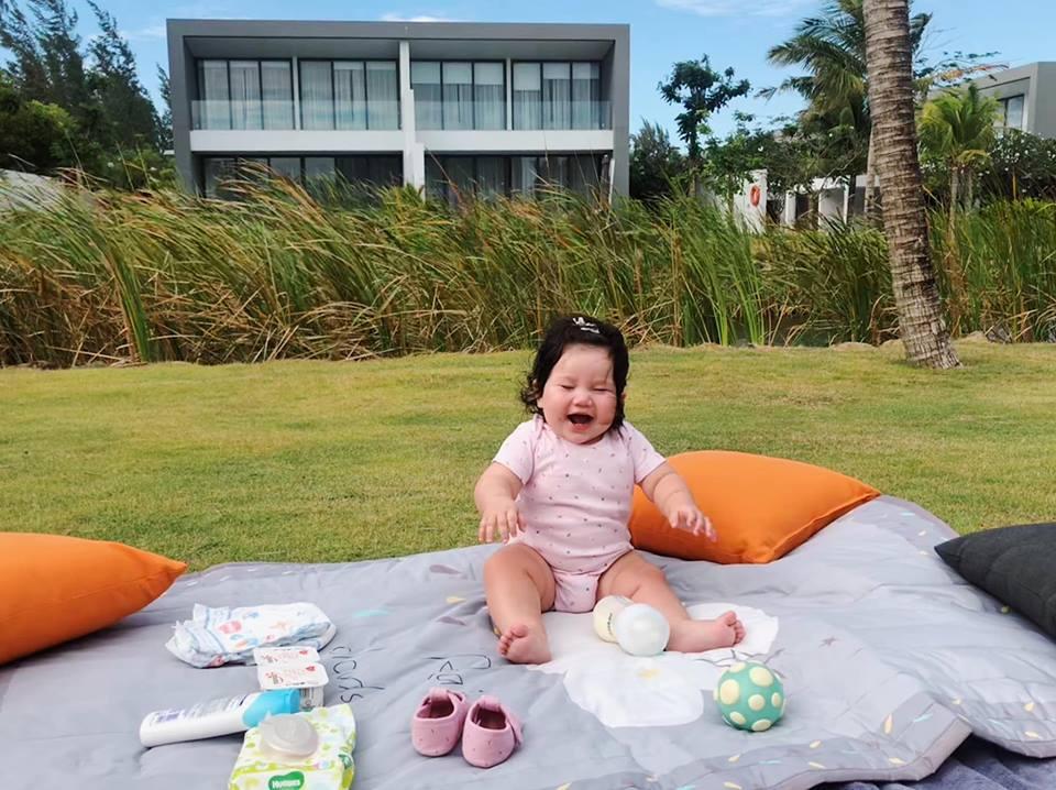 Loạt biểu cảm siêu đáng yêu của con gái Hà Anh khiến dân mạng thích mê - Ảnh 4