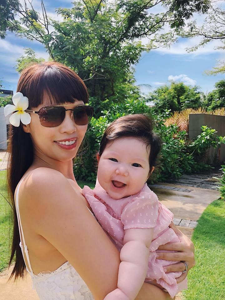 Loạt biểu cảm siêu đáng yêu của con gái Hà Anh khiến dân mạng thích mê - Ảnh 6