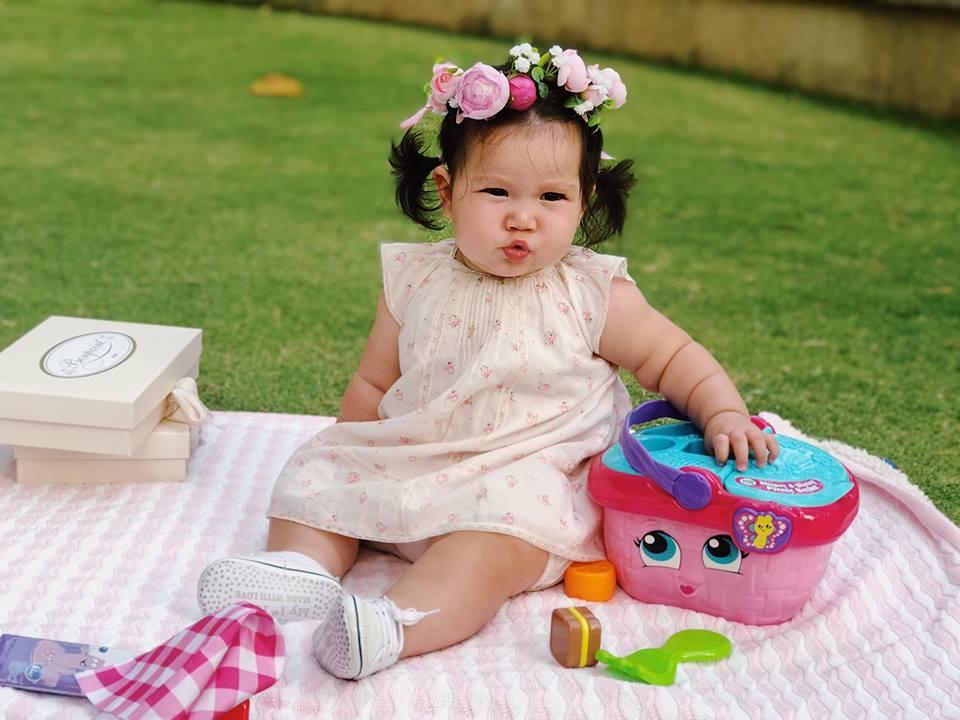 Loạt biểu cảm siêu đáng yêu của con gái Hà Anh khiến dân mạng thích mê - Ảnh 8