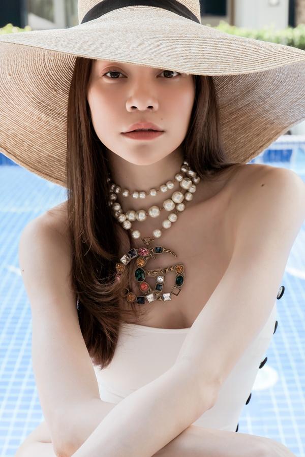 Lộ bức ảnh Hồ Ngọc Hà mặc quần bikini nhỏ xíu, phô diễn vòng 3 lép kẹp khiến ai cũng sốc - Ảnh 3