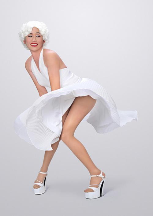 Choáng với đôi chân thon dài trắng nõn nhiều mỹ nhân ao ước của Hoài Linh - Ảnh 10