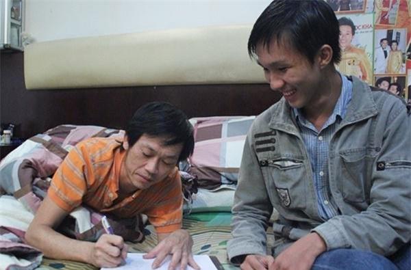 Ứa nước mắt khi thấy nơi ở của Hoài Linh sau khi vét sạch túi xây nhà thờ 100 tỷ - Ảnh 5