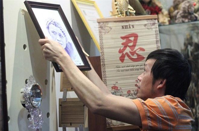 Ứa nước mắt khi thấy nơi ở của Hoài Linh sau khi vét sạch túi xây nhà thờ 100 tỷ - Ảnh 7