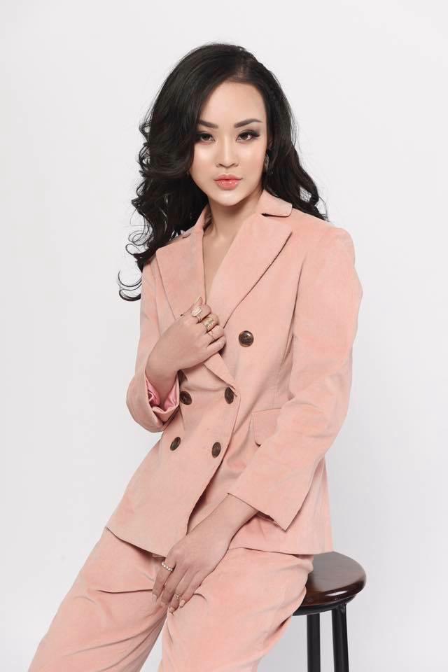Hoàng Hải Thu 'ăn gạch đá' vì lên tiếng chúc mừng Hương Giang đăng quang Hoa hậu - Ảnh 1