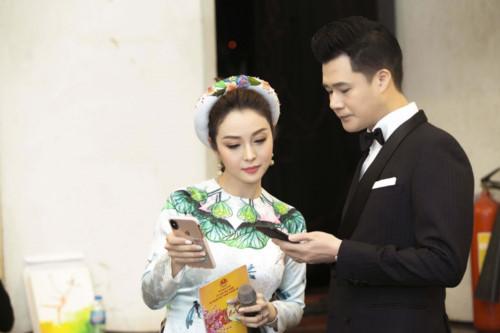 Chạm mặt chồng cũ Quang Dũng tại sự kiện, Jennifer Phạm phản ứng bất ngờ - Ảnh 1
