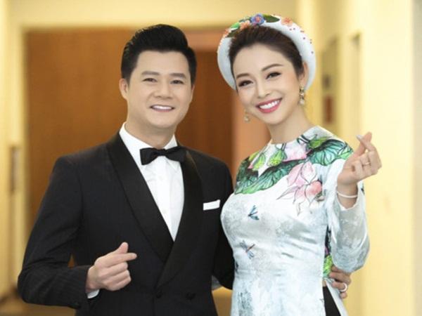 Chạm mặt chồng cũ Quang Dũng tại sự kiện, Jennifer Phạm phản ứng bất ngờ