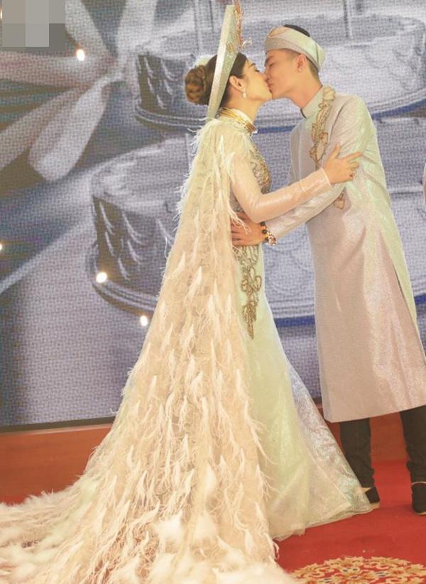 Những chi tiết siêu độc và lạ chỉ xuất hiện trong đám cưới 'công chúa' Lâm Khánh Chi - Ảnh 3