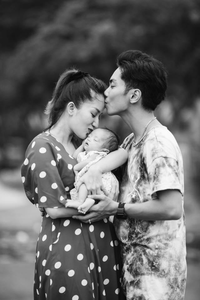 Ôm con gái sinh non bé xíu vào lòng, Khánh Thi nhiều lần suýt bật khóc vì điều này - Ảnh 4