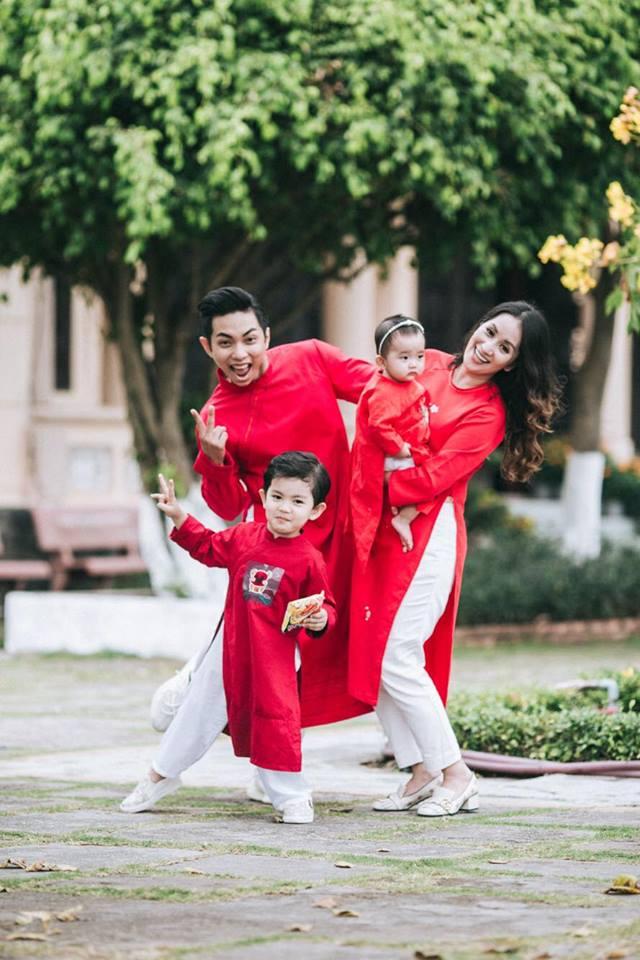 Gia đình Khánh Thi - Phan Hiển tung bộ ảnh Valentine đẹp lịm tim - Ảnh 1