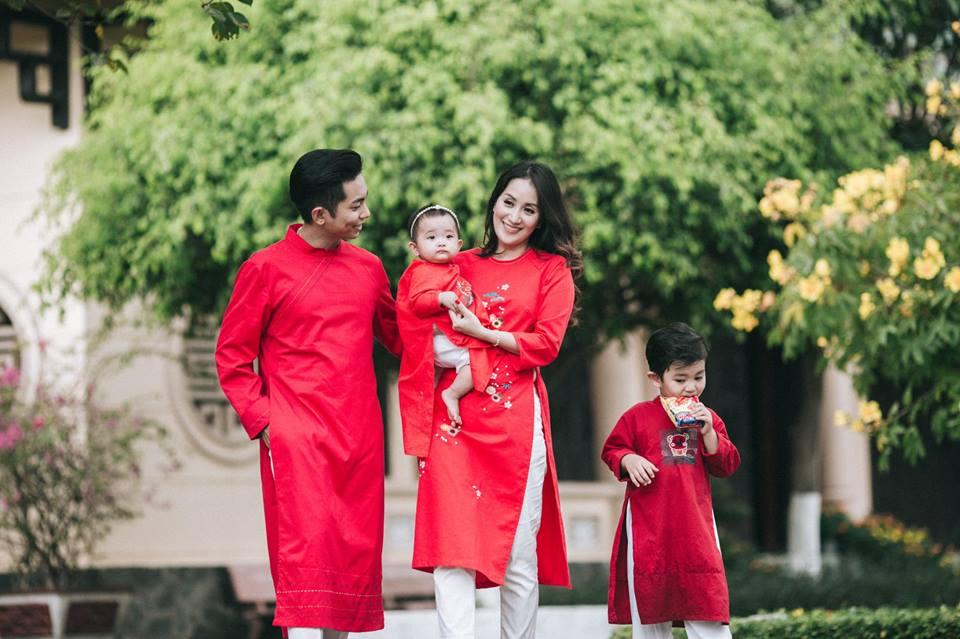 Gia đình Khánh Thi - Phan Hiển tung bộ ảnh Valentine đẹp lịm tim - Ảnh 5