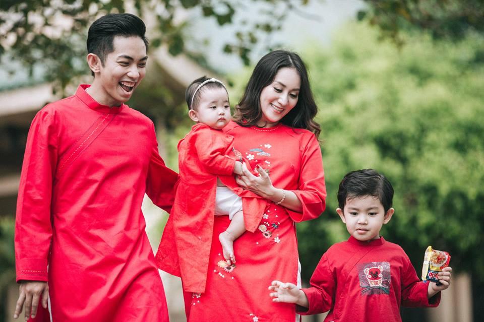 Gia đình Khánh Thi - Phan Hiển tung bộ ảnh Valentine đẹp lịm tim - Ảnh 6