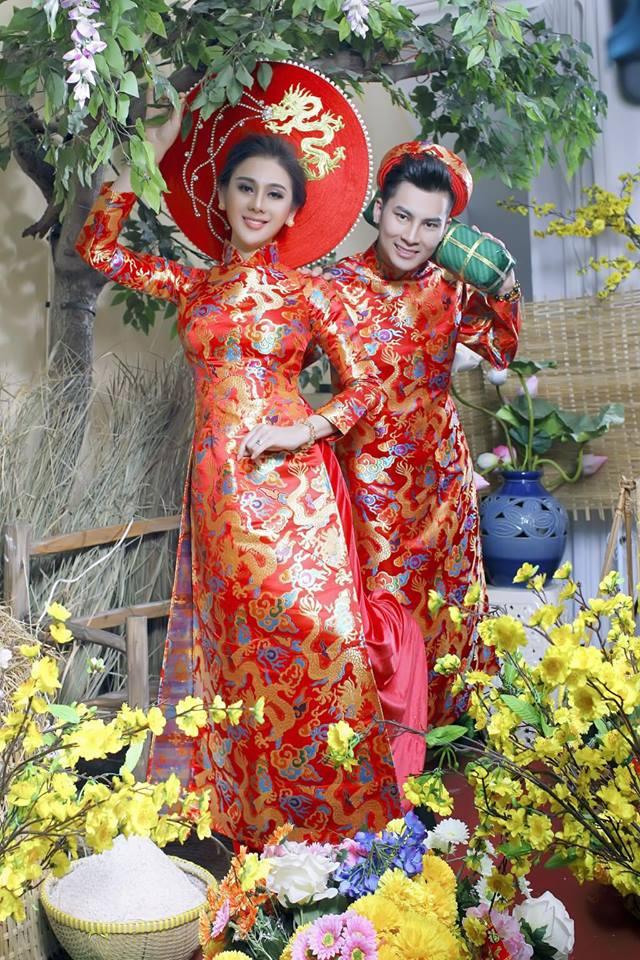 Vợ chồng Lâm Khánh Chi đón Tết hoành tráng với bộ ảnh chào xuân độc và lạ - Ảnh 4