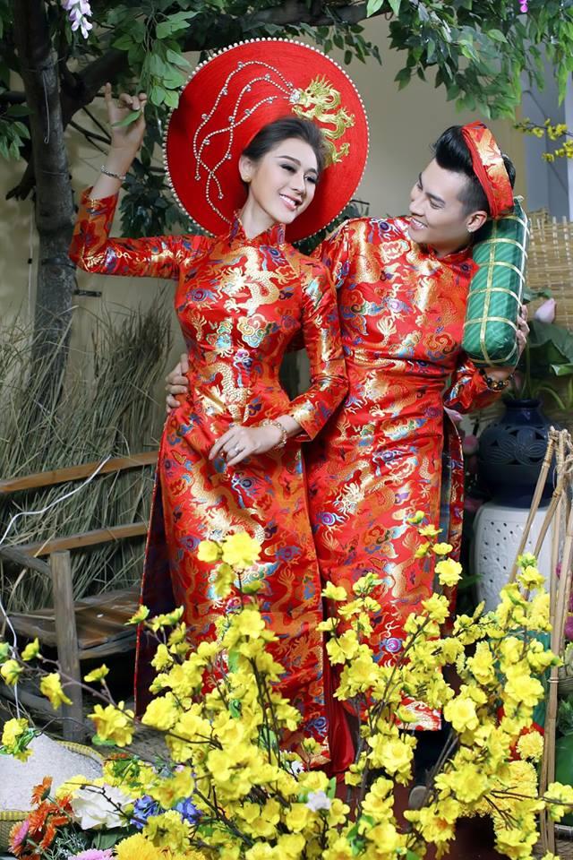 Vợ chồng Lâm Khánh Chi đón Tết hoành tráng với bộ ảnh chào xuân độc và lạ - Ảnh 5