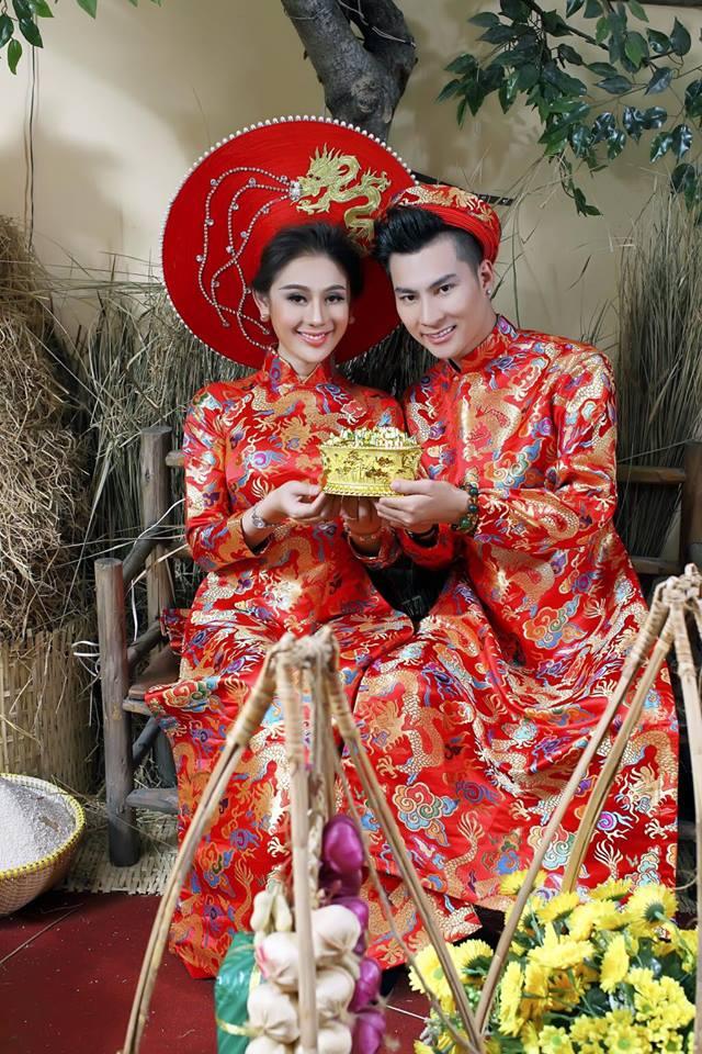 Vợ chồng Lâm Khánh Chi đón Tết hoành tráng với bộ ảnh chào xuân độc và lạ - Ảnh 7