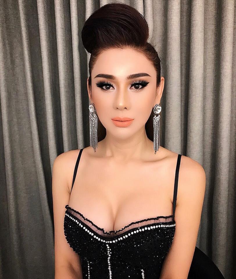 Lâm Khánh Chi khoe vòng 1 khủng hơn cả Phi Thanh Vân trong tiệc sinh nhật sang chảnh như công chúa - Ảnh 1