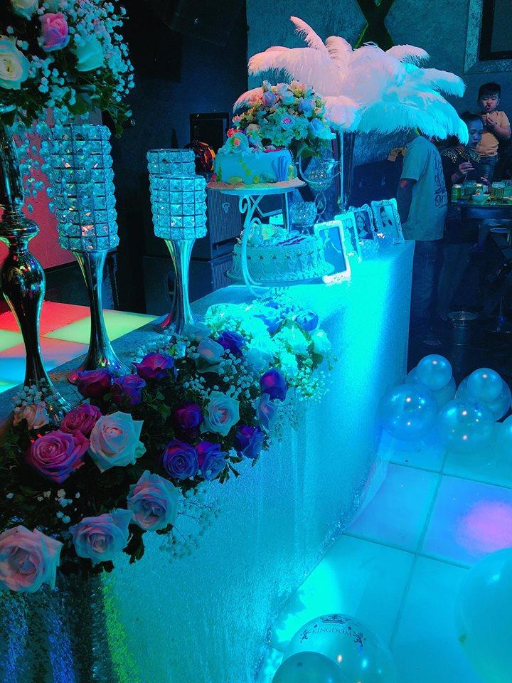 Lâm Khánh Chi khoe vòng 1 khủng hơn cả Phi Thanh Vân trong tiệc sinh nhật sang chảnh như công chúa - Ảnh 6