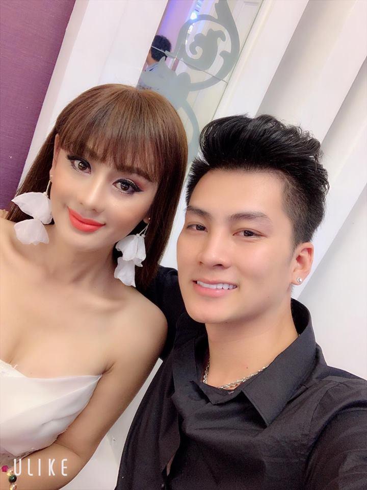 Lâm Khánh Chi nhí nhảnh hôn chồng nhân kỷ niệm 1 năm ngày cưới - Ảnh 3