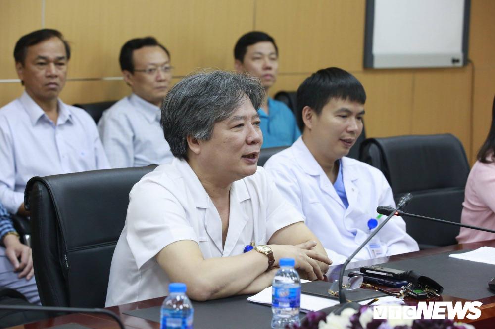 Lần đầu tiên tại Việt Nam: Chia một lá gan từ người cho chết não, cứu cùng lúc hai người - Ảnh 3