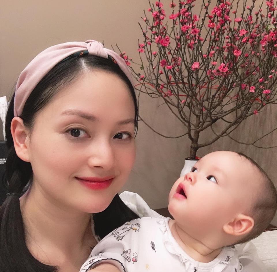 Lan Phương đón Tết hạnh phúc bên chồng và con gái xinh như thiên thần - Ảnh 2