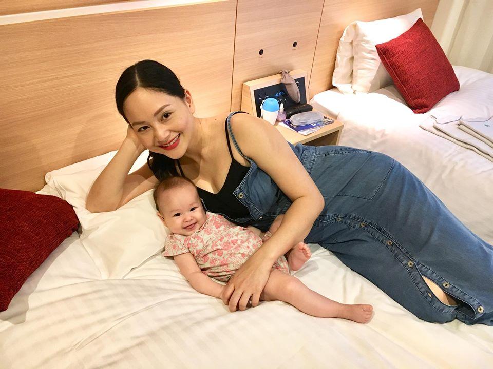 Lan Phương đi tập gym sau 4 tháng sinh mổ, con gái ngủ quên vì chờ mẹ - Ảnh 6