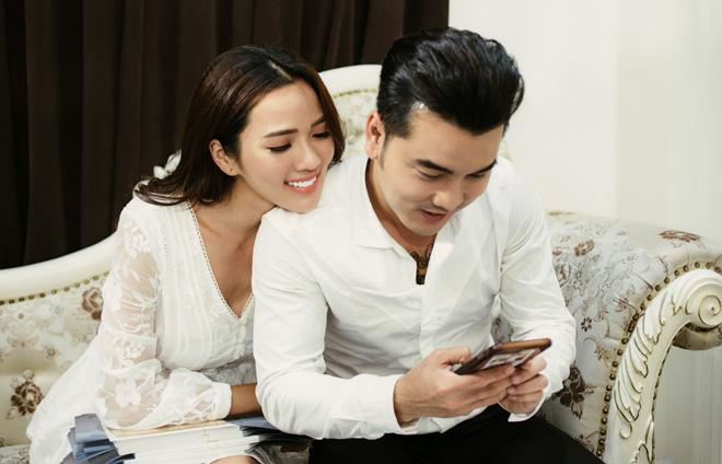 Lộ thiệp cưới cực sang trọng và tốn kém của Ưng Hoàng Phúc và người mẫu Kim Cương - Ảnh 1