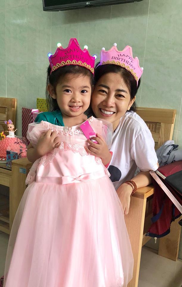 Mai Phương gượng dậy tổ chức sinh nhật cho con gái trong bệnh viện - Ảnh 10