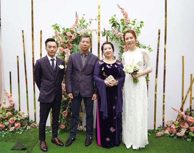 Mẹ Cường Đô la cưng chiều Đàm Thu Trang, tặng nhẫn đắt đỏ trong ngày đám hỏi - Ảnh 2