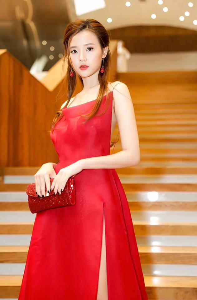 Midu lần đầu diện váy cắt xẻ táo bạo, khoe nhan sắc quyến rũ như nữ thần - Ảnh 7