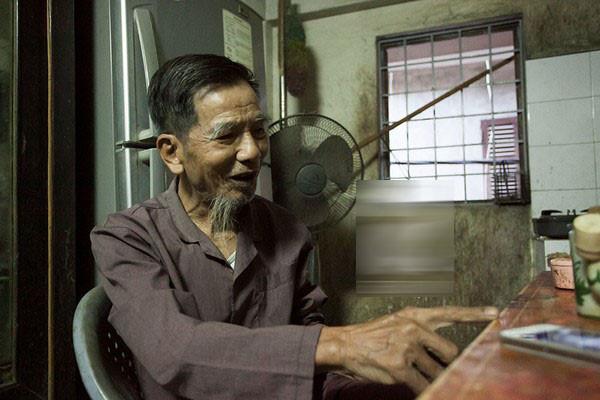 Không hề có chuyện nghệ sĩ Trần Hạnh phải bán mũ bảo hiểm mưu sinh: 'Đừng vội tỏ lòng thương hại' - Ảnh 1