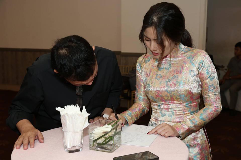 Ngọc Lan nghẹn ngào trong đám giỗ vợ chồng cố nghệ sĩ Thanh Nga - Ảnh 2
