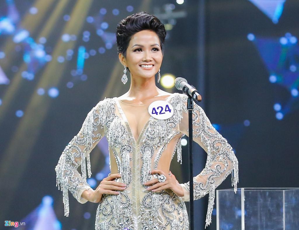 Hiếm khi bàn chuyện thị phi showbiz nhưng lần này Hoa hậu Nguyễn Thị Huyền quyết làm điều này vì H'Hen Niê - Ảnh 3